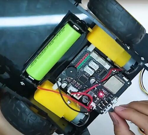 Xe đua đồ chơi BatmanBot photo review