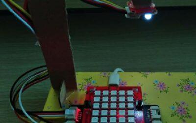 Làm đèn thông minh từ Yolo:Bit
