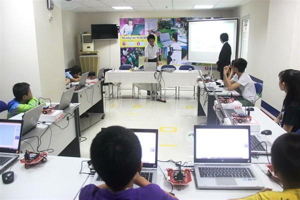 Thực hành robotics tại trường