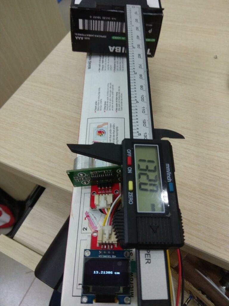 Máy đo hiển thị khoảng cách