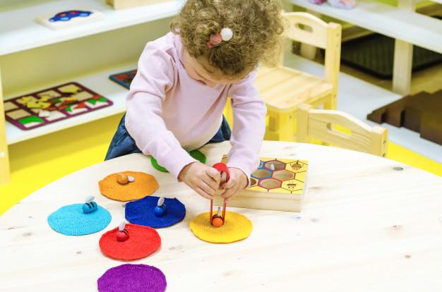 Phương pháp giáo dục Montessori cho trẻ