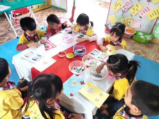 Giáo dục trẻ mầm non bằng sách và các hoạt động vui nhộn