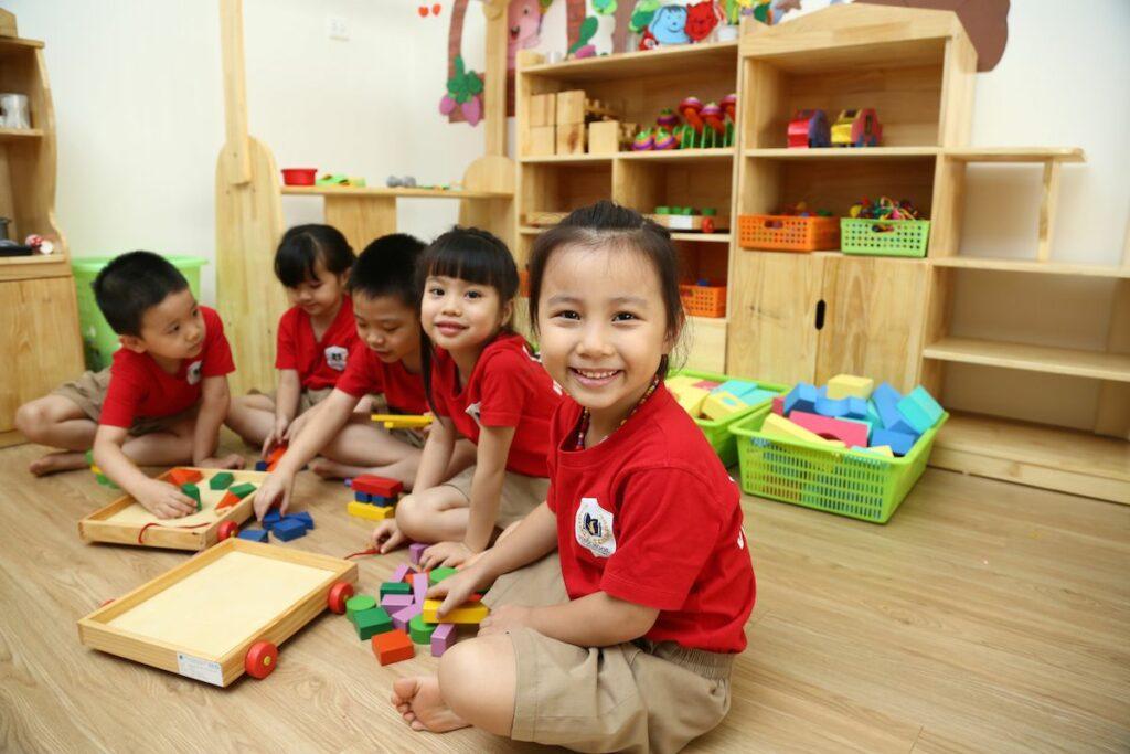 Phương pháp giáo dục trẻ mầm non - Montessori