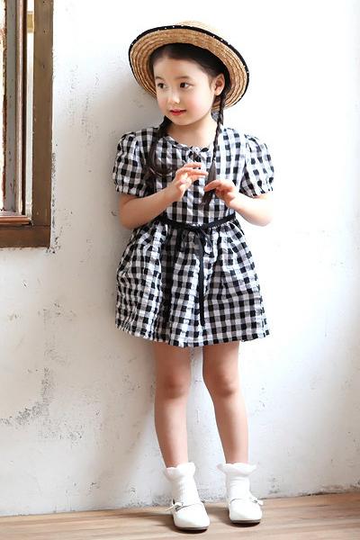 Cách chọn trang phục mùa hè cho bé gái