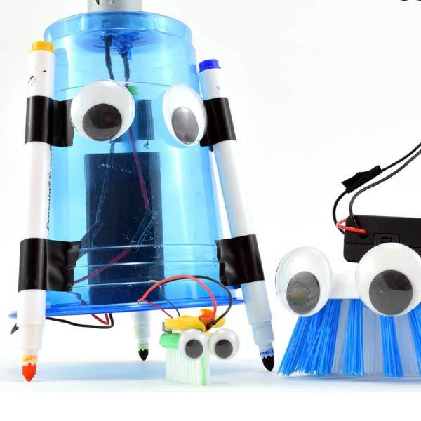 Cách làm robot Art Bot chi tiết từ cốc nhựa
