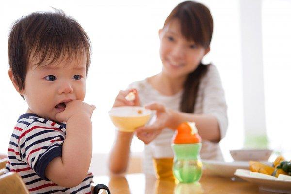 Các dấu hiệu cho thấy bé 1 tuổi biếng ăn