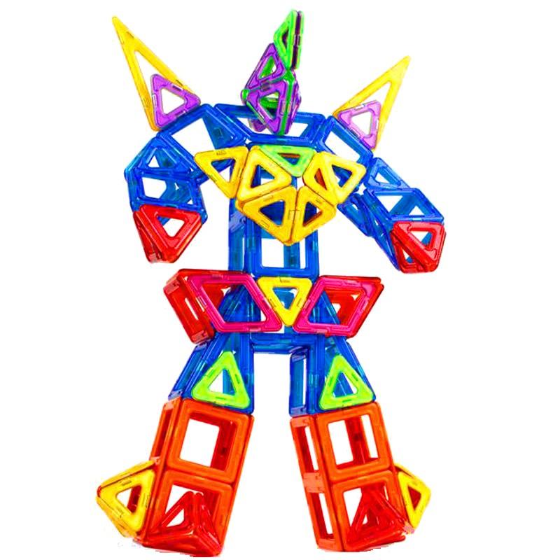 Ghép hình khối có nam châm thành hình siêu nhân