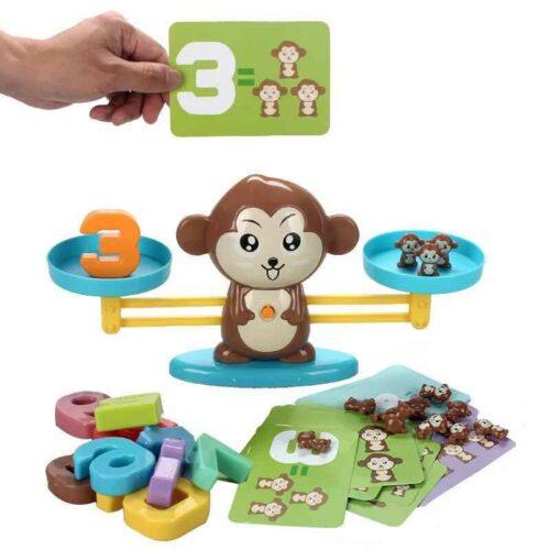 Đồ chơi Montessori cho bé