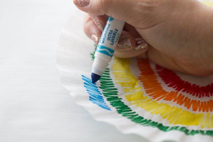 Cách thực hiện chế tạo hoa ngũ sắc