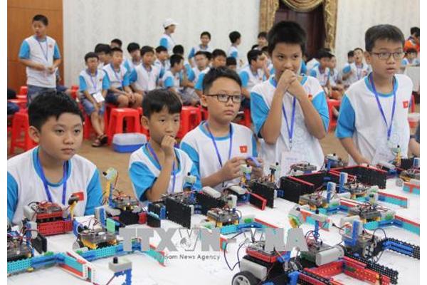 Nghiên cứu vật lý - Nền tảng khi học STEM Robotics