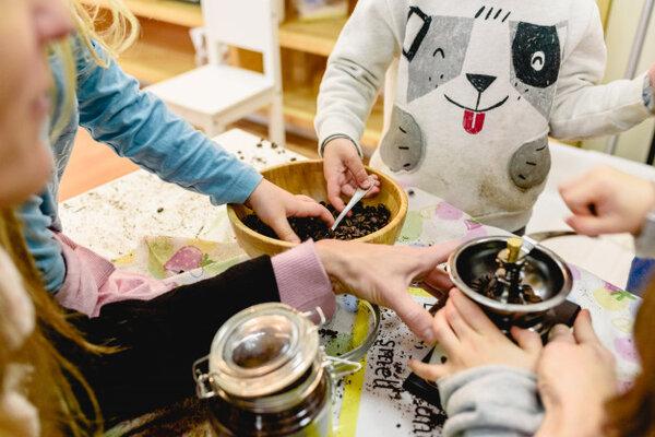 Phương pháp giáo dục Montessori - môi trường vui chơi học tập