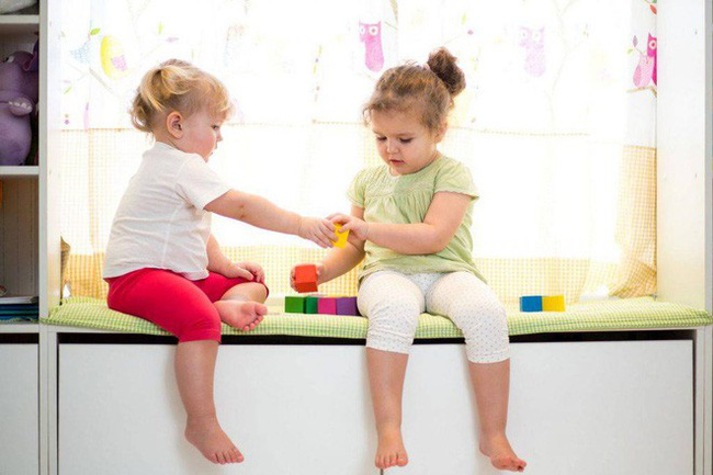 Để trẻ có cơ hội trò chuyện với nhau để tăng EQ cho trẻ