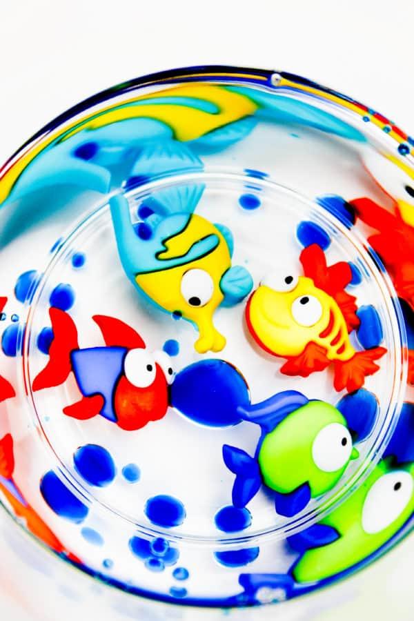 Thí nghiệm STEM về dầu và nước cho trẻ