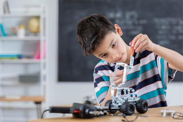 Trở thành kỹ sư về STEM Robotics nếu muốn
