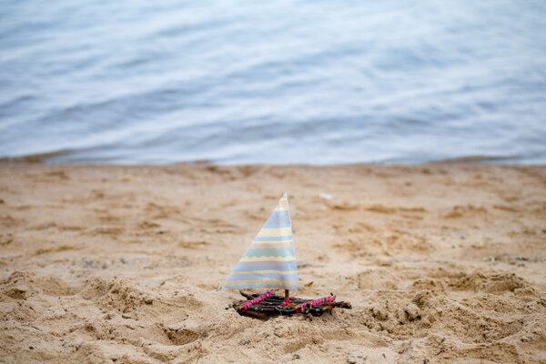Mô hình chế tạo thuyền đồ chơi
