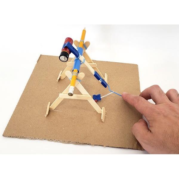 Cách làm mô hình STEM máy bắn đá cho trẻ