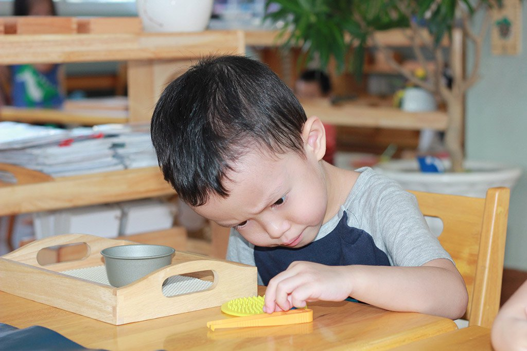 Dạy con theo phương pháp Montessori là gì?