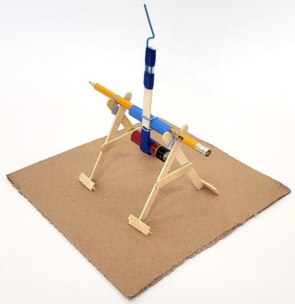 Mô hình STEM máy bắn đá