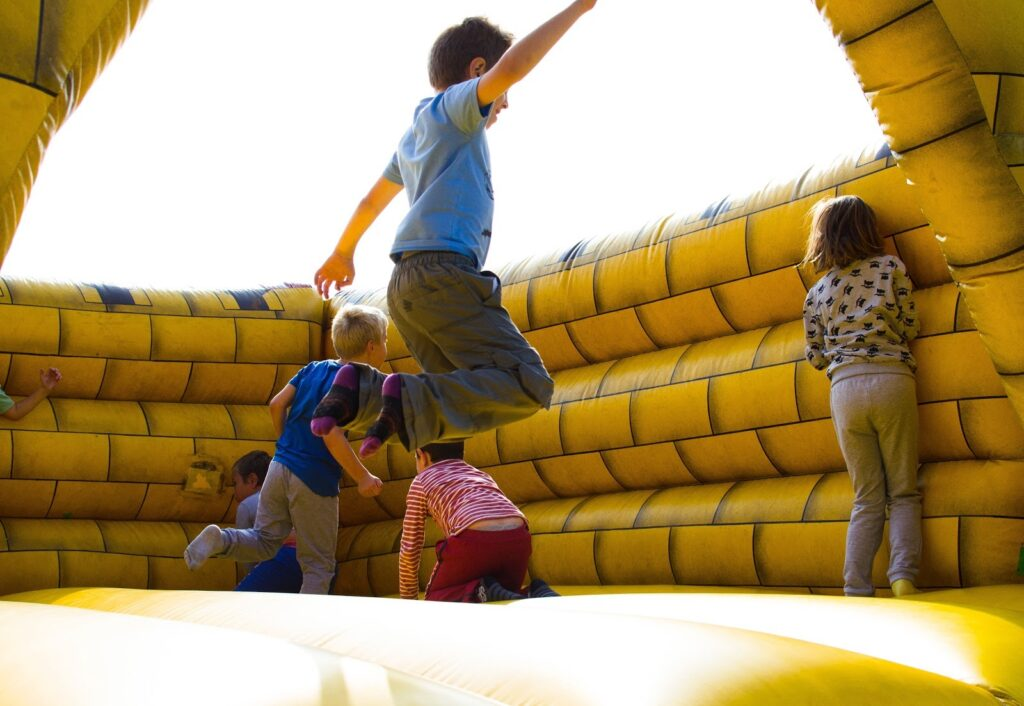 Vai trò của hoạt động vui chơi đối với trẻ