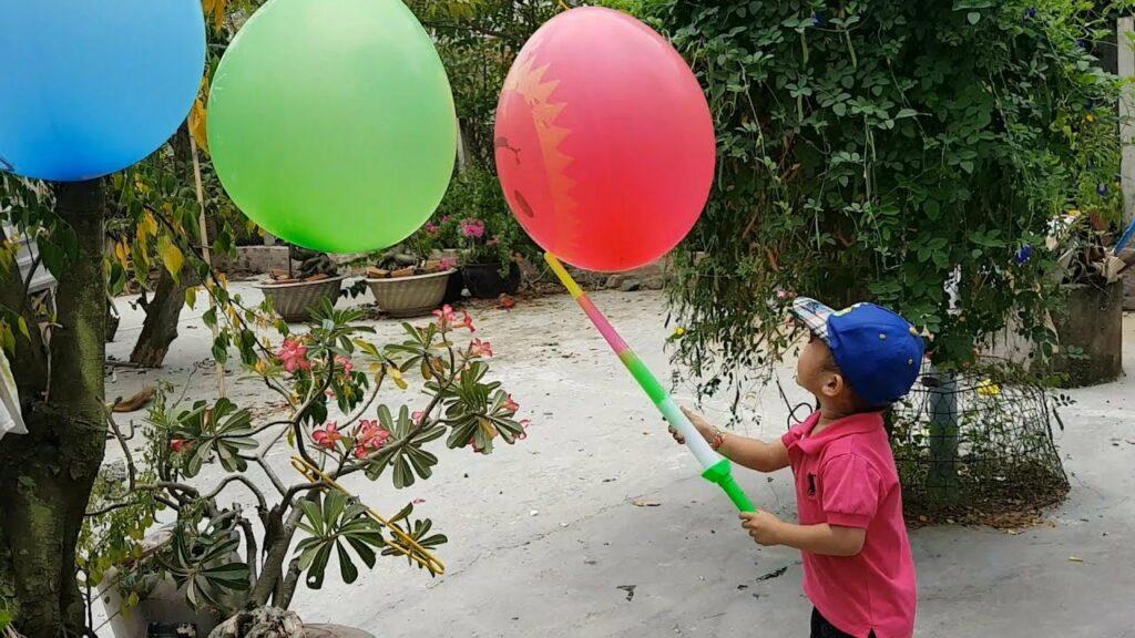 Trò chơi cho trẻ mầm non tập thể - đập bóng