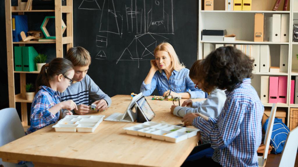Dạy học theo định hướng giáo dục STEM có gì nổi bật?