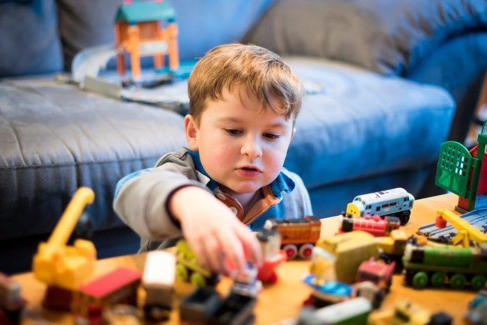 Đồ chơi cho bé trai 7 tuổi cần đảm bảo những gì?