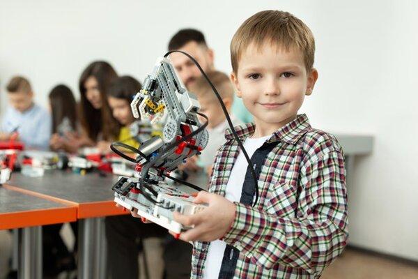 Mô hình học STEM robotics