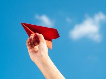 Cách gấp máy bay làm bằng giấy đơn giản