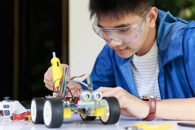Ứng dụng của robot trong lĩnh vực giáo dục