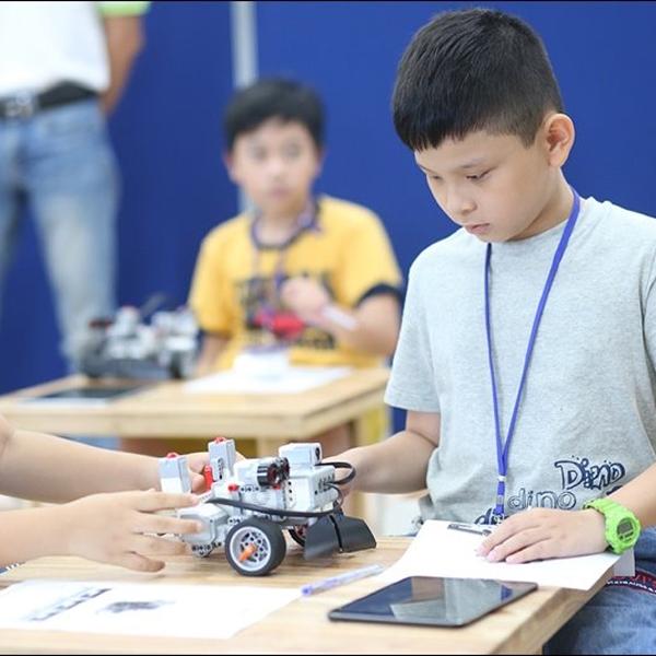 Lợi ích và top những đồ chơi STEM tốt nhất cho bé
