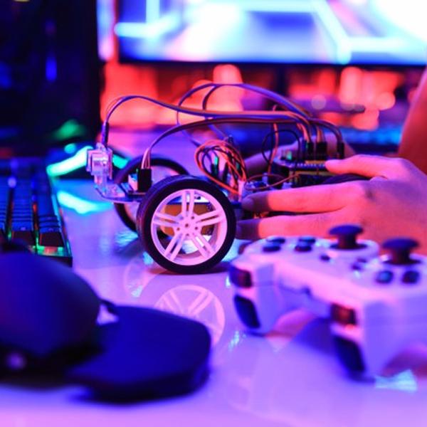Những lợi ích vàng của STEM Robotics