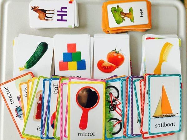 Thẻ flashcard thường xuyên được sử dụng trong phương pháp giáo dục Glenn Doman