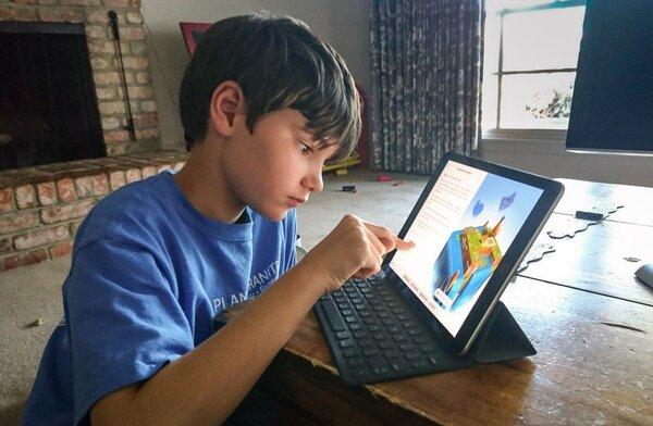 Các bé dễ dàng làm quen với lập trình nhờ Swift