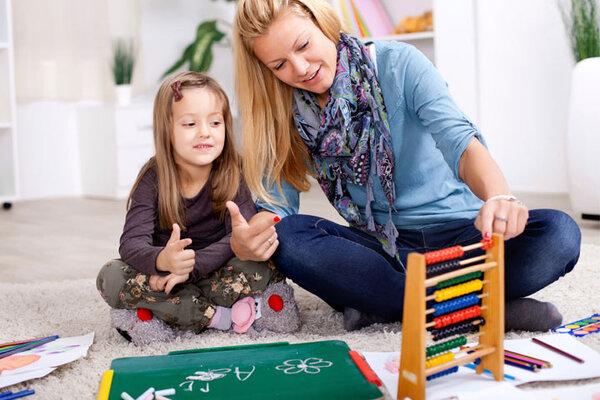 Mẹ và bé cùng nhau sử dụng toán tư duy Soroban