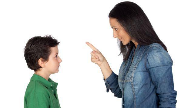 Ưu điểm của phương pháp dạy con không đòn roi là khiến các bé cảm nhận được tình yêu thương