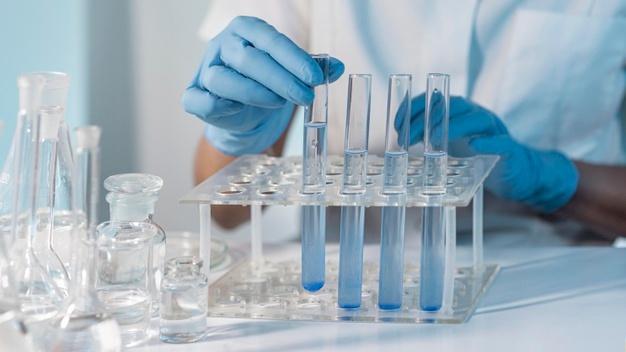 An toàn là yêu cầu hàng đầu khi thiết kế phòng lab