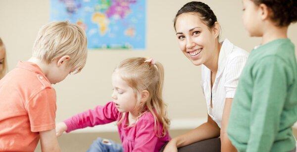 Vai trò của giáo viên trong phương pháp giáo dục sớm