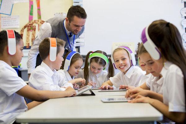 Những người dùng công nghệ 4.0 trong giáo dục