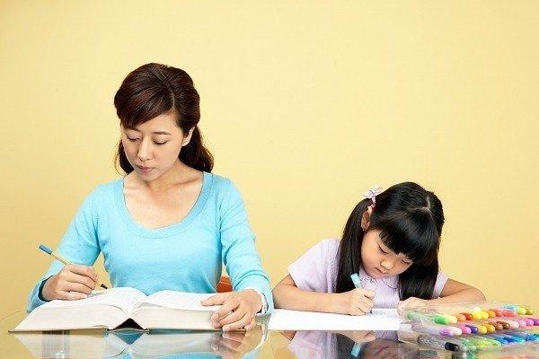 Phương pháp dạy trẻ kém tập trung cho mẹ tại nhà