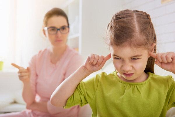 Việc đánh đôi đôi khi còn khiến trẻ ngang bướng và lì lợm hơn