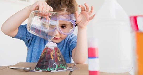 Những hoạt động của trẻ trong phòng thí nghiệm lab là gì?