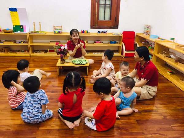 Tổ chức lớp học theo phương pháp giáo dục sớm Montessori