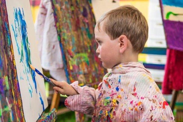 Các phương pháp giáo dục sớm luôn tìm cách để khám phá khả năng nghệ thuật ở trẻ