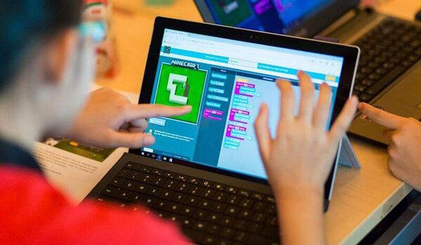 Trẻ học lập trình đơn giản với các khối kéo thả