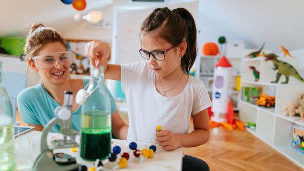 Thiết kế phòng thí nghiệm cần đảm bảo về các vật dụng cần thiết