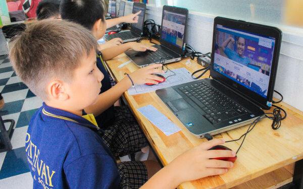 Các bé có thể dễ dàng sử dụng Scratch online qua một vài hướng dẫn