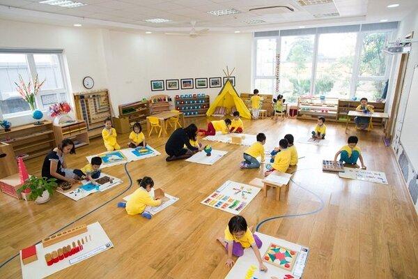 Tổ chức lớp học theo kiểu Montessori