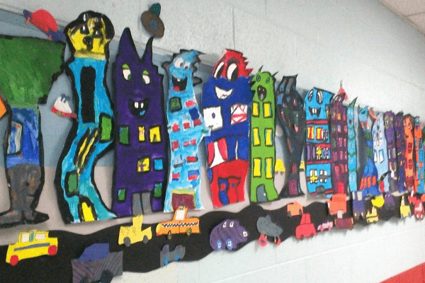 Trang trí lớp mầm non sáng tạo lấy các tác phẩm nghệ thuật của học sinh làm chủ đạo