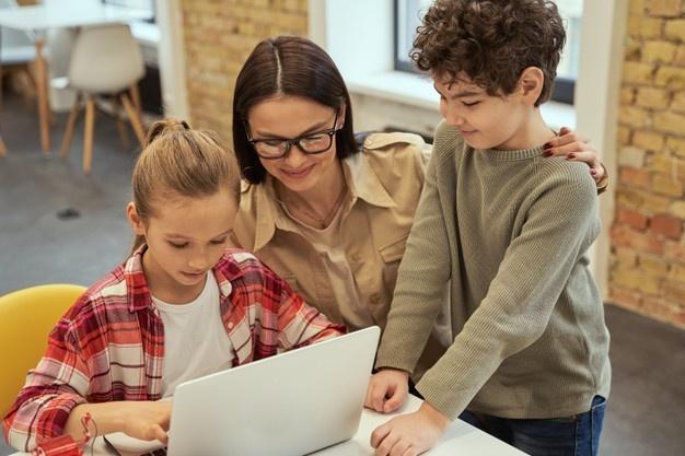 Sử dụng công nghệ là 1 phần không thể bỏ qua trong giáo án dạy học STEM